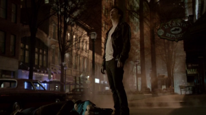 Résumé de l'épisode 17 saison 4   Because the Night Damon